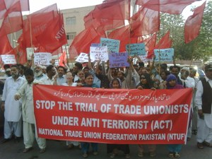 Twelve garment workers and trade union activists of the Power Loom Mazdoor Union in Pakistan were finally acquitted on August 29, 2014 after a trial that had dragged on for more than two years.