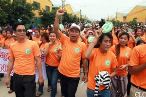 Cambodia wage protests - C.CAWDU leader Ath Thorn leads workers